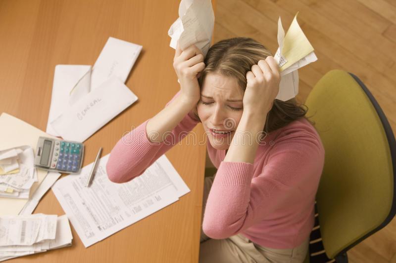 woman-paying-bills-14647251 (1)